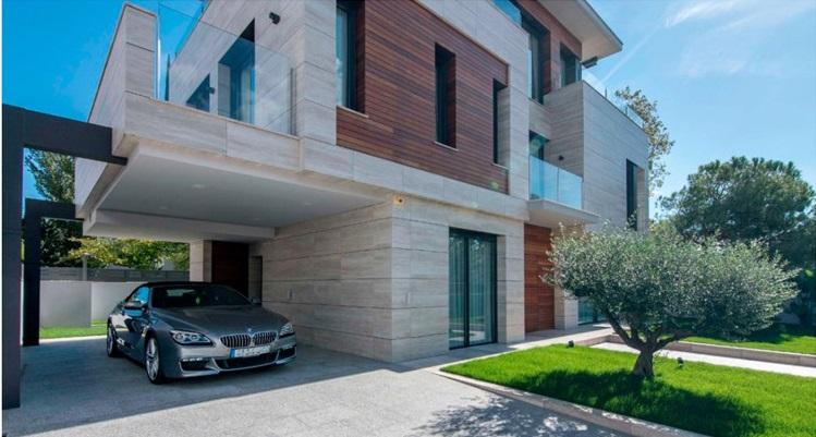 巴塞罗那富人区海景独栋别墅 4室 207.6万欧