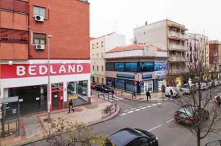 西班牙房产:马德里南部华人区精致二居室47m2 17.6万