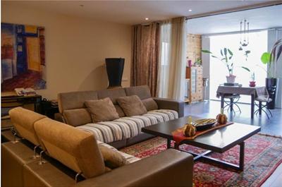 西班牙巴塞罗那加泰罗尼亚广场 162平3房豪华公寓