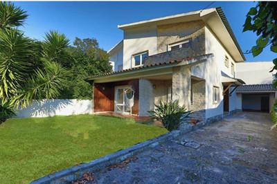 葡萄牙卡斯凯什别墅:4房 紧邻Estoril火车站 房价82.6万