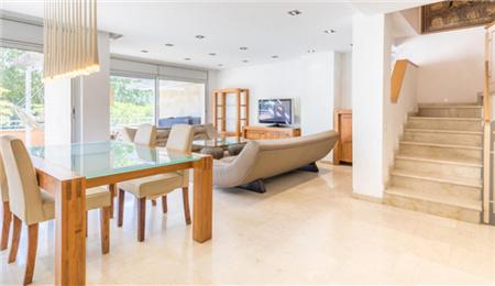 巴塞罗那房产:多伦特双拼海景别墅 58万