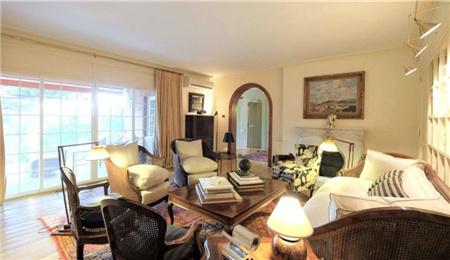 巴塞罗那房产:富人区Sant Gervasi独栋大别墅 250万欧