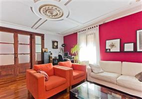 巴塞罗那房产:扩展区3房高端精装公寓 拎包入住