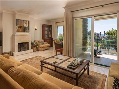 葡萄牙高端房产:卡斯凯伊斯精装大三房 社区带泳池