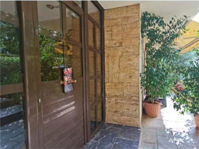 希腊购房移民:雅典市中心南舒适轻轨学区公寓