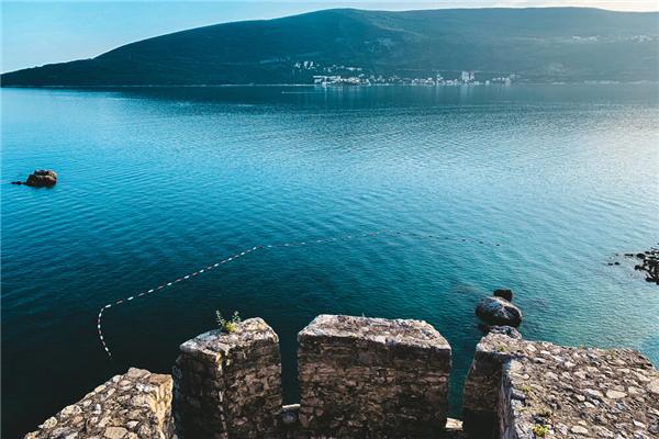 白本黑山护照第一次如何使用,如何激活?