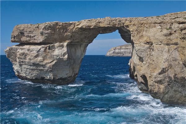 马耳他国债移民费用,不同选择不同费用
