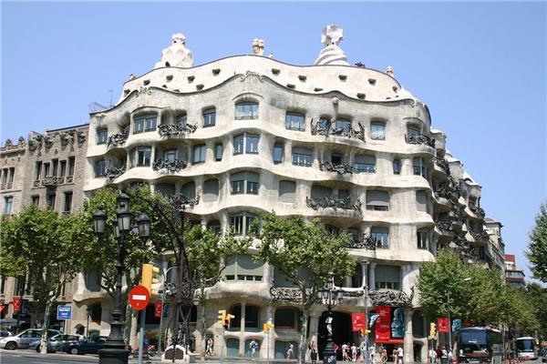 西班牙承认同性婚姻吗?同性恋可以买房移民西班牙吗?