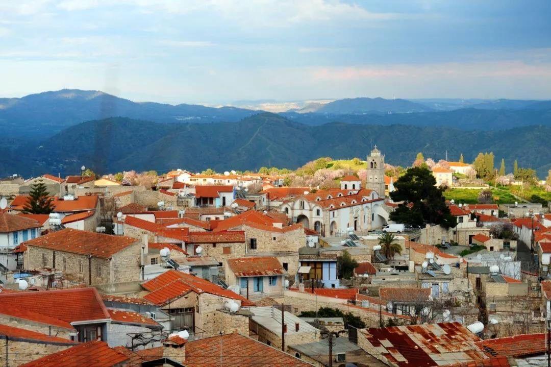 移民塞浦路斯房产 30万欧元购买环境优美的别墅