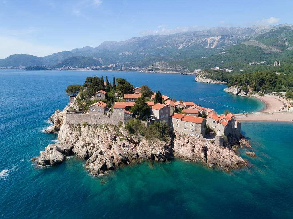 黑山移民购房数据  去到当地之后是否可以投资房产