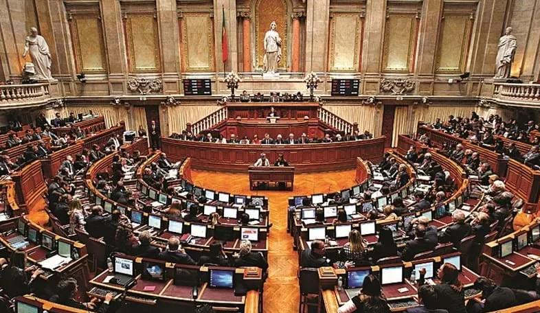 2020新葡萄牙国籍法:父母住满一年 出生在葡萄牙的子女直接入籍