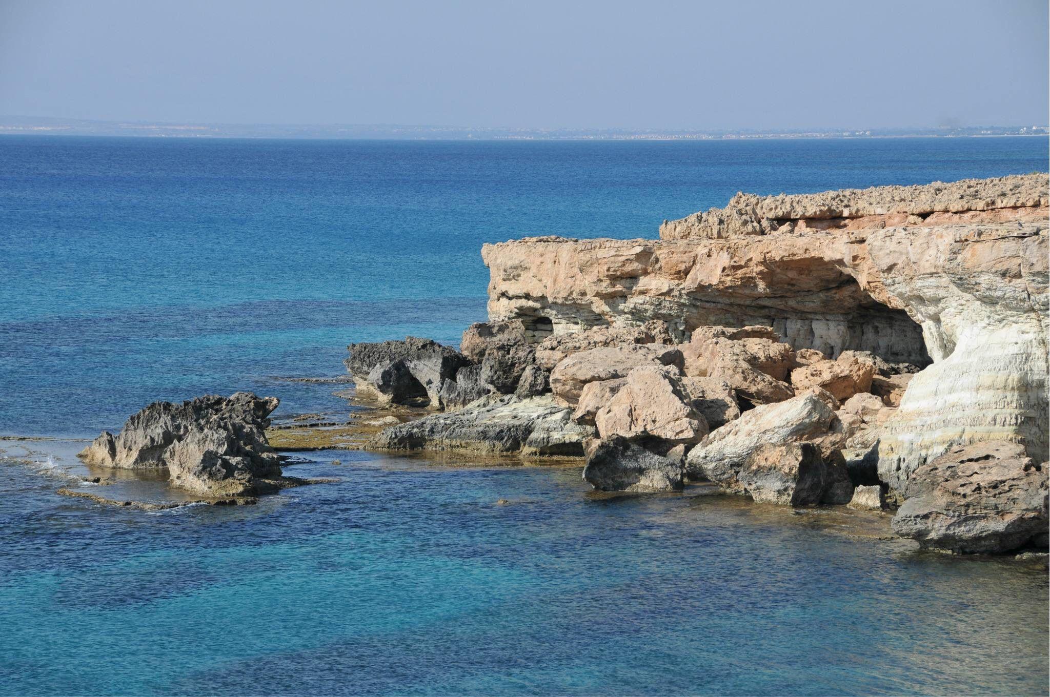 移民塞浦路斯哪家好  移民公司可以做很多事