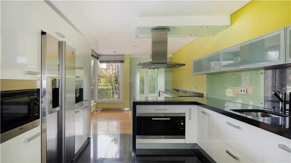 葡萄牙房产:里斯本卡斯凯斯高端海景3房公寓